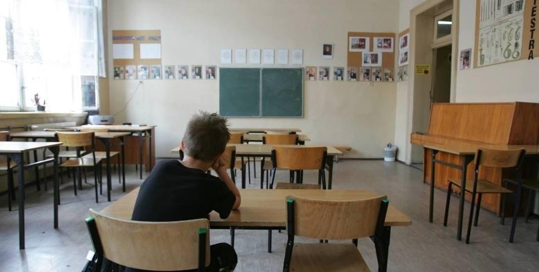 Nauczyciele w Szczecinie masowo idą na zwolnienia. Dzieci bez opieki