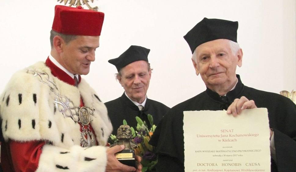 Film do artykułu: Wybitny fizyk został doktorem honoris causa kieleckiego uniwersytetu