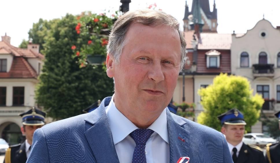 Film do artykułu: Wyniki wyborów samorządowych 2018. W Lubniu bez zmian. Kazimierz Szczepaniec obejmie urząd wójta na czwartą kadencję