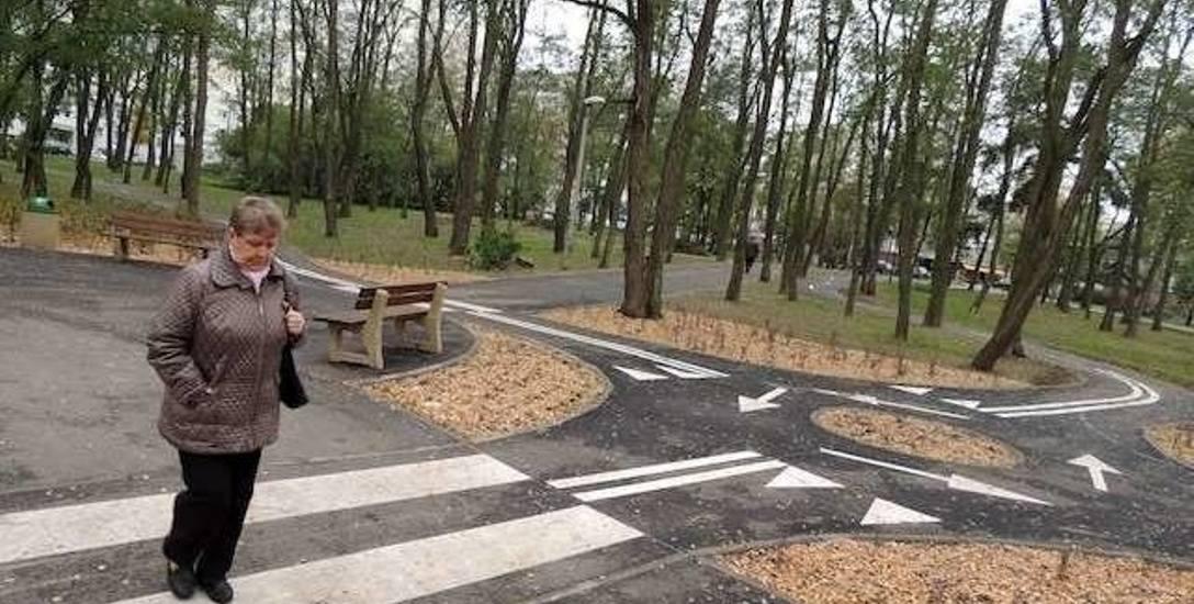 Spory sądowe dotyczą m.in. remontu parku na osiedlu Na Skarpie, który z powodu niesolidności pierwszego wykonawcy zakończył się z dużym poślizgiem. Przebieg