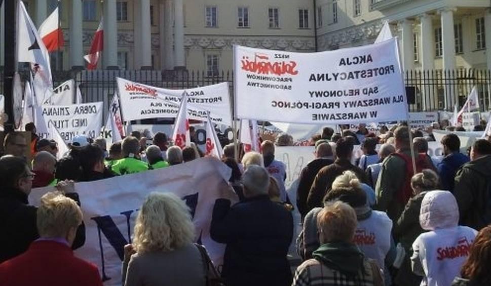 """Film do artykułu: """"Solidarność"""" czeka ze swoimi postulatami i unika mocnych akcji"""