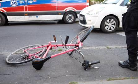 Pisz. Rowerzystka potrącona na przejściu. Trafiła do szpitala