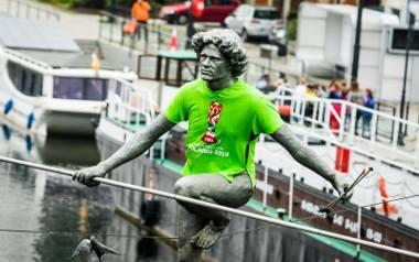 """""""Przechodzący przez rzekę"""" - już w koszulce promującej Mistrzostwa Świata U-20"""