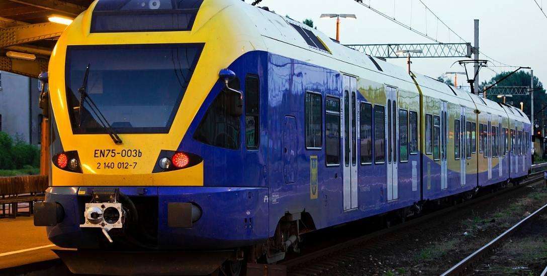 Pociągi Bielsko-Biała - Żywiec. Od Bielska do Łodygowic, a nawet Żywca, czeka nas przesiadka na autobus. Remont torów i peronów