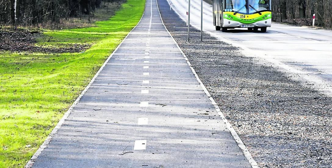 Nie wszystkie odcinki ścieżki rowerowej Zielona Góra - Zawada - Cigacice są już gotowe. Trzeba ogłosić ponowny przetarg i dokończyć inwestycję, która