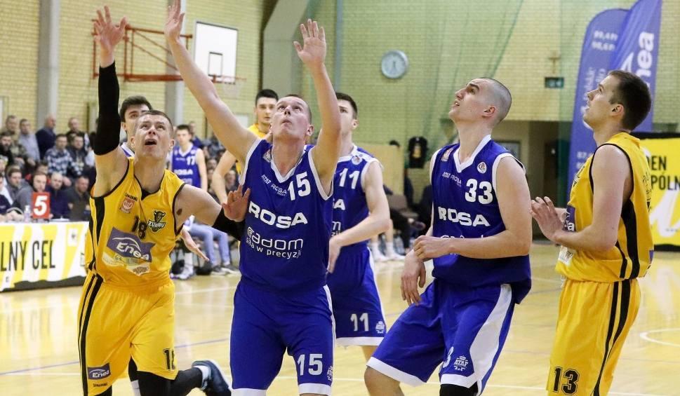 Film do artykułu: Koszykówka. Żubry i Tur Basket od wygranych rozpoczęły play-off