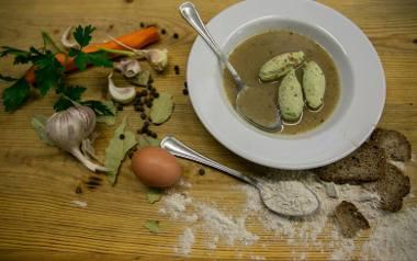 Zobaczcie przepisy na tradycyjne polskie zupy! Kliknijcie w galerię i wybierzcie dla siebie przepisy naszych Czytelników na sprawdzone domowe zupy.
