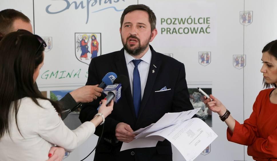 Film do artykułu: Radosław Dobrowolski apeluje o zgodę i pracę. Przeciwnicy burmistrza łączą siły (zdjęcia, wideo)