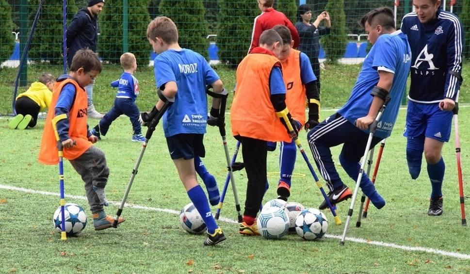 Film do artykułu: Amp Futbol Junior Camp w Bielsku-Białej ZDJĘCIA