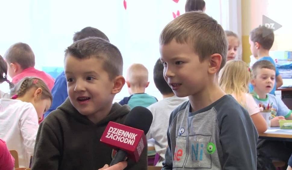 Film do artykułu: Kim jest Ślązak? Przedszkolaki z Katowic tłumaczą A CO TO? ODCINEK 19