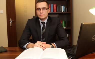 Adwokat Adam Kozioziembski zaznacza, że 500+ nie wpływa na zakres obowiązku alimentacyjnego.