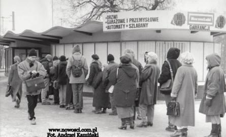 """Toruń w latach 90. i trochę wcześniej! Zdjęcia z archiwum """"Nowości"""""""
