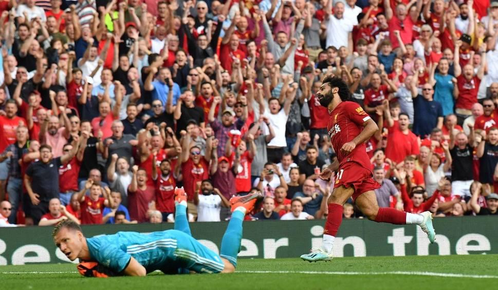 Film do artykułu: Świetny Mohamed Salah. Dwa gole Egipcjanina i Liverpool zmiażdżył Arsenal