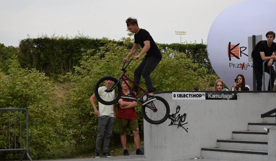 Film do artykułu: Flip n' Whip - Zawody SKATE-BMX w Kraśniku. Zobaczcie zdjęcia z imprezy w skateparku (ZDJĘCIA, WIDEO)