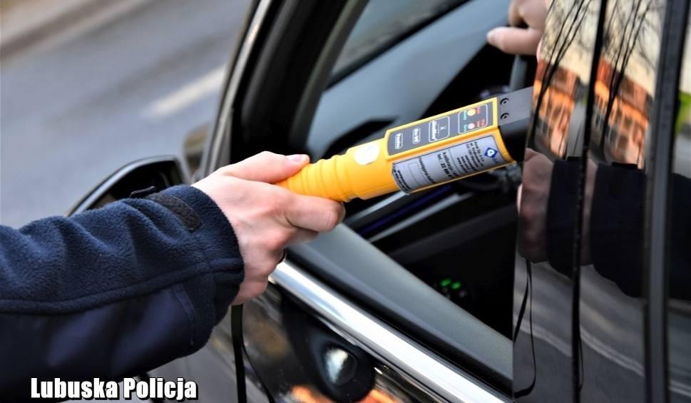 Film do artykułu: Pijany kierowca volkswagena uciekał policji. Miał blisko 2 promile