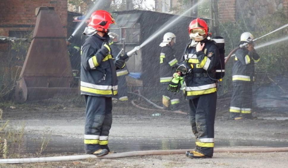 Film do artykułu: Pożar warsztatu samochodowego na Połanieckiej w Częstochowie
