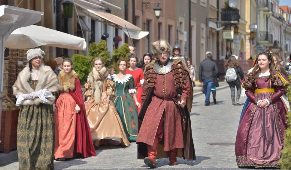 Film do artykułu: Otwarcie sezonu turystycznego w Sandomierzu. Rycerze przygotowali specjalny program (NOWA GALERIA ZDJĘĆ)
