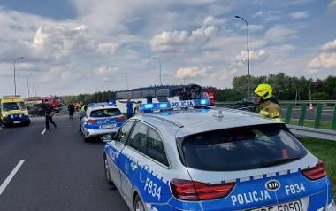 Ruszyło śledztwo w sprawie wypadku autokaru z harcerzami, do którego doszło w środę (28 lipca) na autostradzie A1 pod Kutnem.