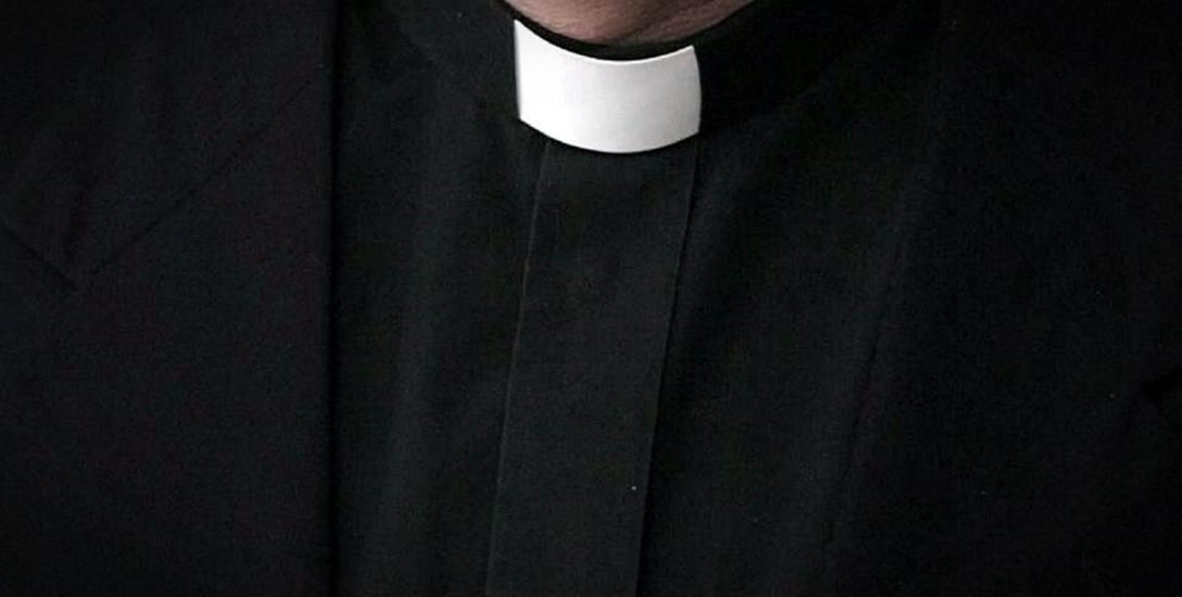 30-latka zdecydowała się ujawnić zachowanie kapłana. Oskarża księdza o koszmar w chórze