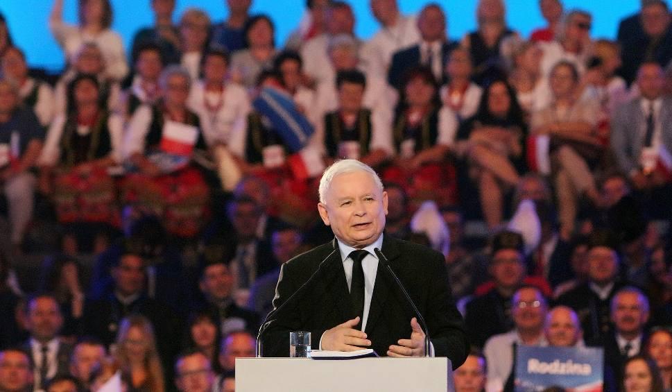 Film do artykułu: Wybory parlamentarne 2019. Kaczyński w Lublinie obiecał 4 tysiące zł płacy minimalnej, dwie 13-tki dla emerytów