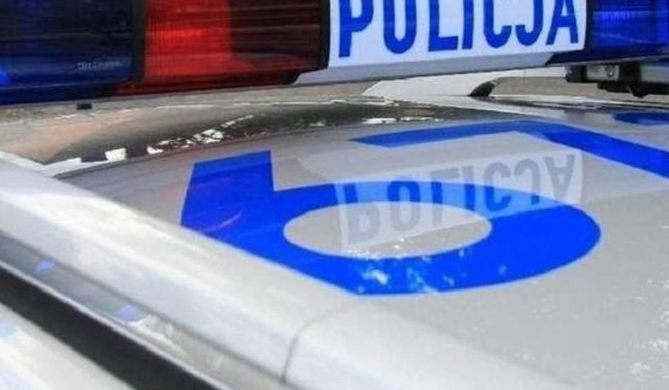 Film do artykułu: Zderzenie BMW i chevroleta w Łabędziowie. Jedna osoba ranna