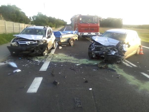 W czwartek po godzinie 18 doszło do zderzenia dwóch aut na krajowej 6 na odcinku między Niemicą a Pękaninem w powiecie sławieńskim.