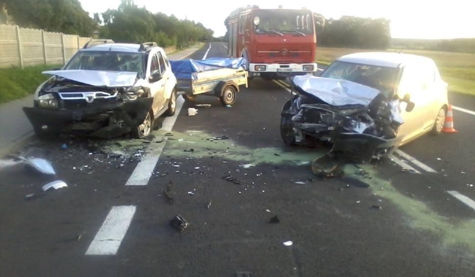 """Film do artykułu: Groźny wypadek na """"szóstce"""". 5 osób poszkodowanych"""