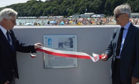 Odsłonięto tablicę poświęconą profesorowi Czesławowi Marchajowi w Alei Żeglarstwa Polskiego w Gdyni 19.07