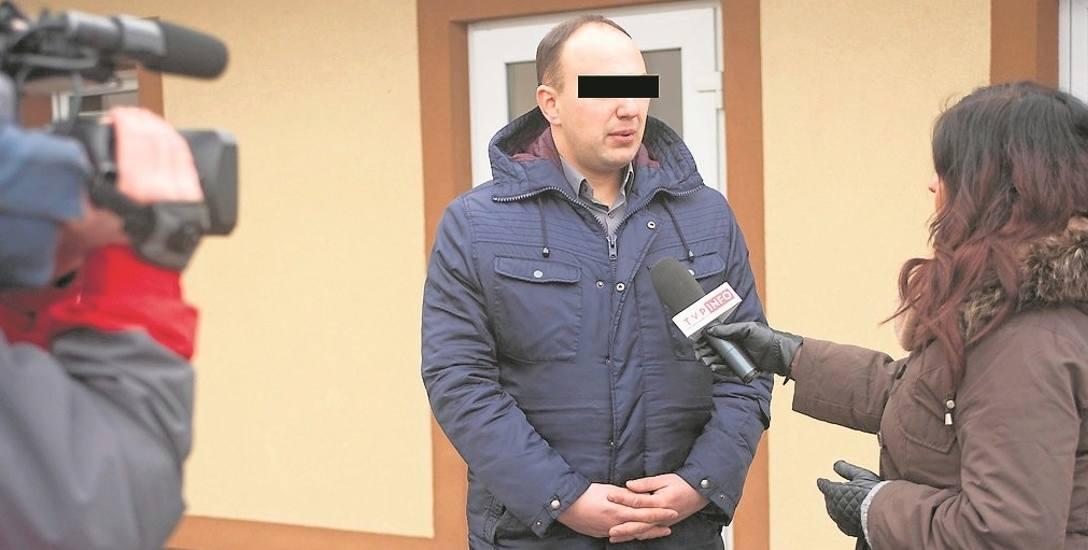 Sławomir G. jest jednym z czterech oskarżonych w sprawie skażenia wody w Łapanowie. Według prokuratury nie dopełnił on swoich obowiązków jako dyrektor
