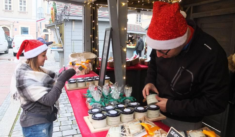 Film do artykułu: Jarmark Bożonarodzeniowy wystartował na Rynku w Opolu. Potrwa do 22 grudnia