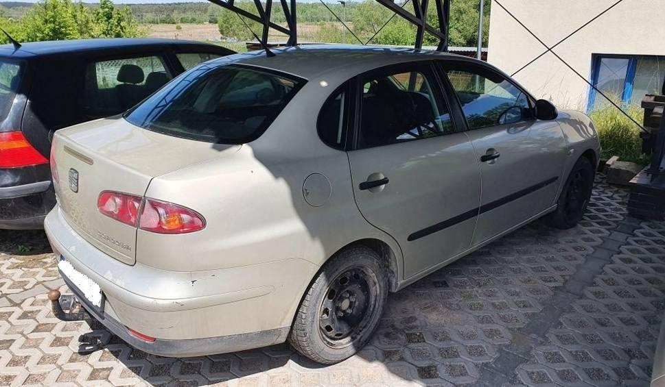 Film do artykułu:  W Staszowie policjanci odzyskali samochód skradziony w gminie Łopuszno
