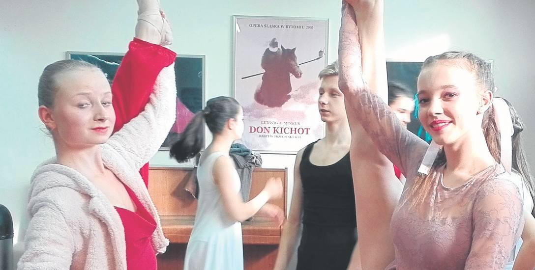 Młodzi artyści wykorzystywali każdą chwilę przed prezentacją, aby poćwiczyć. Taniec to ich prawdziwa pasja