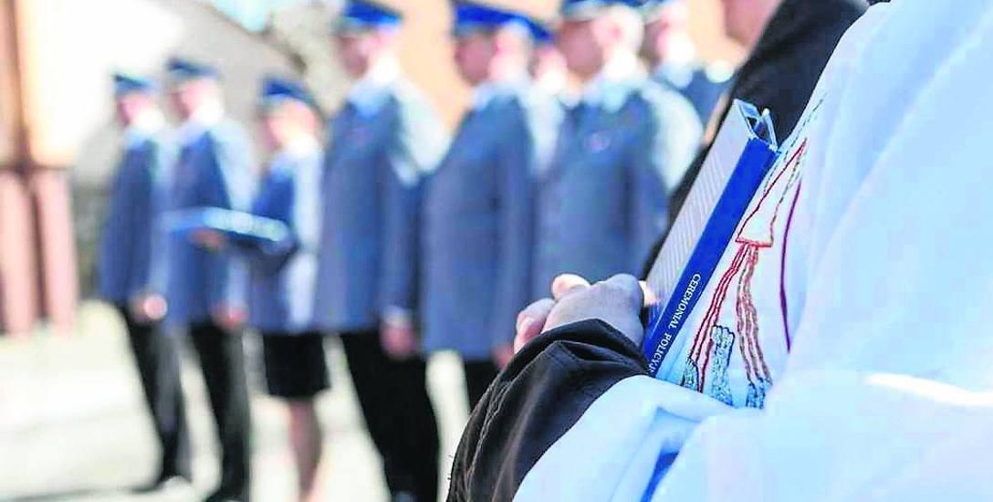 Policyjni kapelani są obecni na każdych oficjalnych uroczystościach organizowanych przez resort