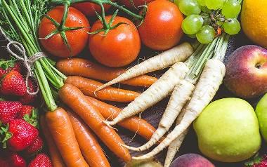 Ile to porcja warzyw i owoców?