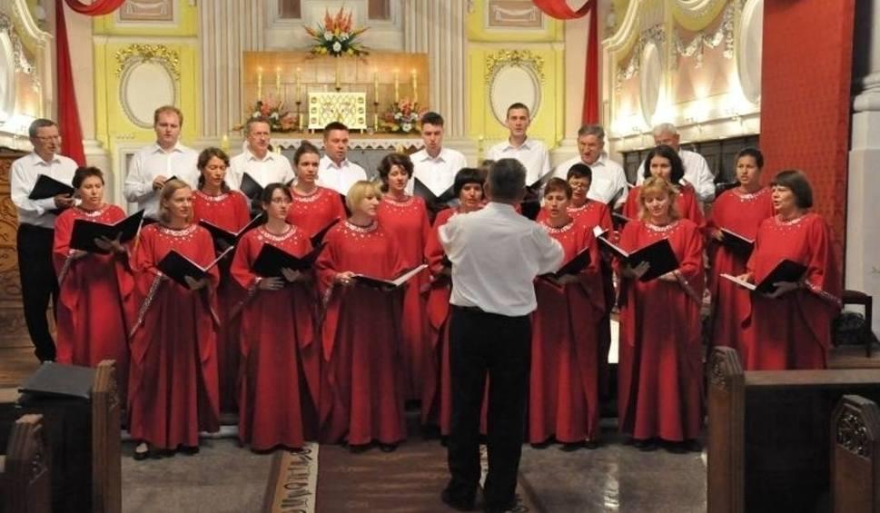 Film do artykułu: Koncert Chóru Mariańskiego w Orońsku w niedzielę w kościele pod wezwaniem Wniebowzięcia Najświętszej Maryi Panny