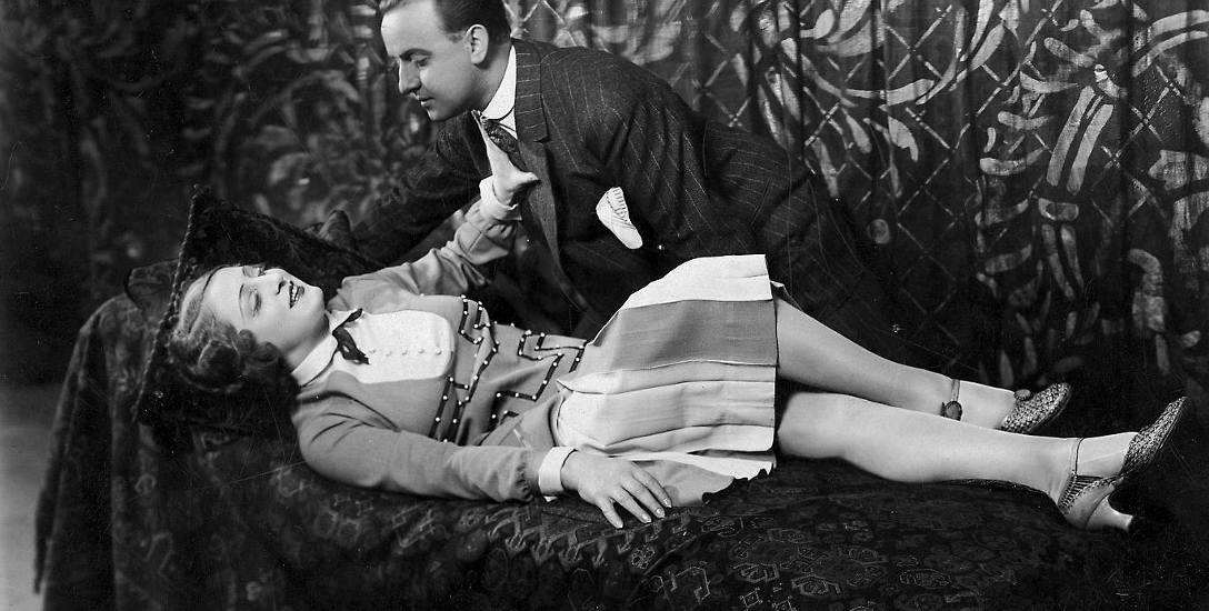 """W latach 20. i 30.  ub. wieku takie frywolne sceny w przedstawieniach teatrzyku """"Perskie Oko"""" wywoływały protesty"""