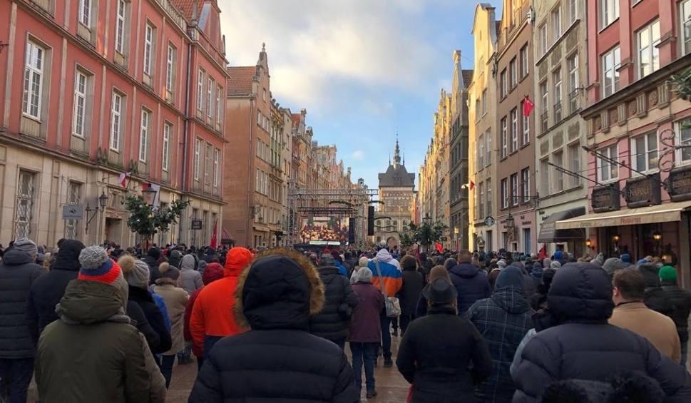 Film do artykułu: Pogrzeb Pawła Adamowicza 19.01.2019. Gdańsk pogrążony w żałobie. Tłumy gdańszczan pożegnały prezydenta [wideo, zdjęcia]