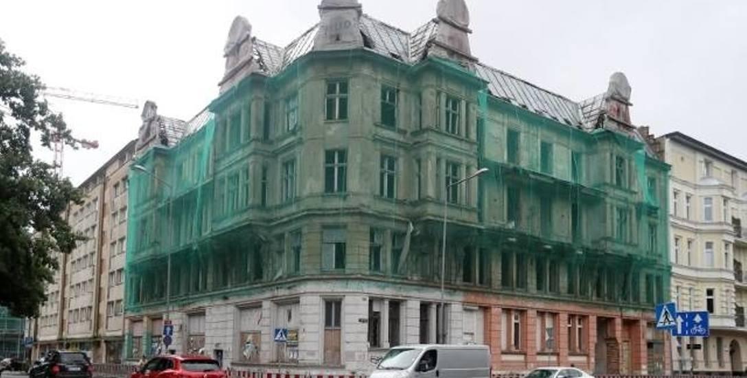 Spółka warszawska Redi, zaczynając przeróbkę Piasta, zapowiadała, że w 2016 r. będzie tu hotel znanej sieci Hilton. Wczoraj budynek zlicytowano