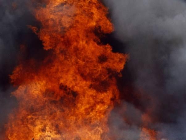 W pożarze mieszkania trzy osoby zostały ranne