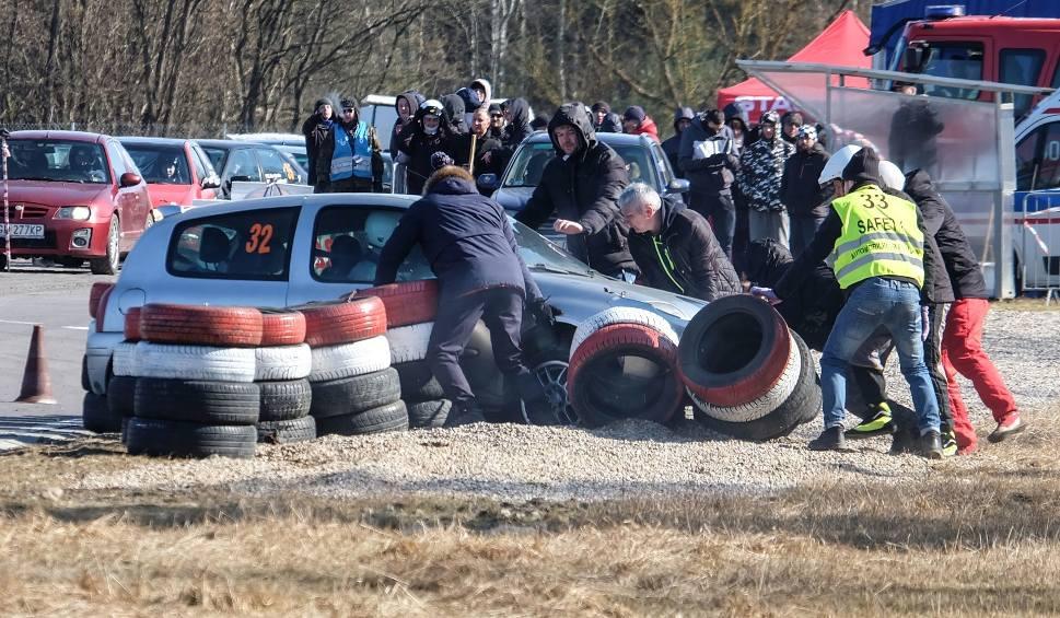 Film do artykułu: Samochodowe Mistrzostwa Białegostoku 2018. 2. runda na Torze Wschodzący Białystok (zdjęcia, wideo)