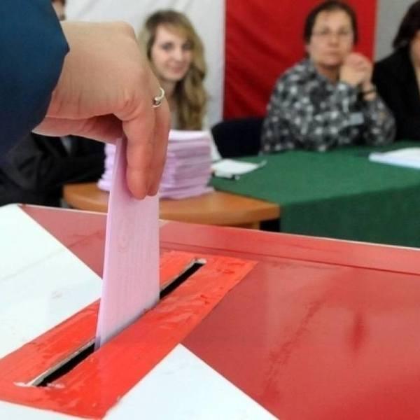 Tłumy chętnych do pracy w komisjach wyborczych! Ile można zarobić?
