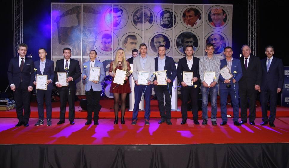 Film do artykułu: Oto najpopularniejsi sportowcy, trener i talenty w powiecie pińczowskim 2016 (WIDEO, ZDJĘCIA)