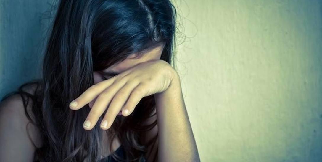 Wujek zmuszał dziewczynki do seksu: sąd w Toruniu wydał wyrok w sprawie szokującego rodzinnego dramatu