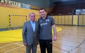 Bartosz Jurecki i Grzegorz Trzebniak na pomeczowej fotce