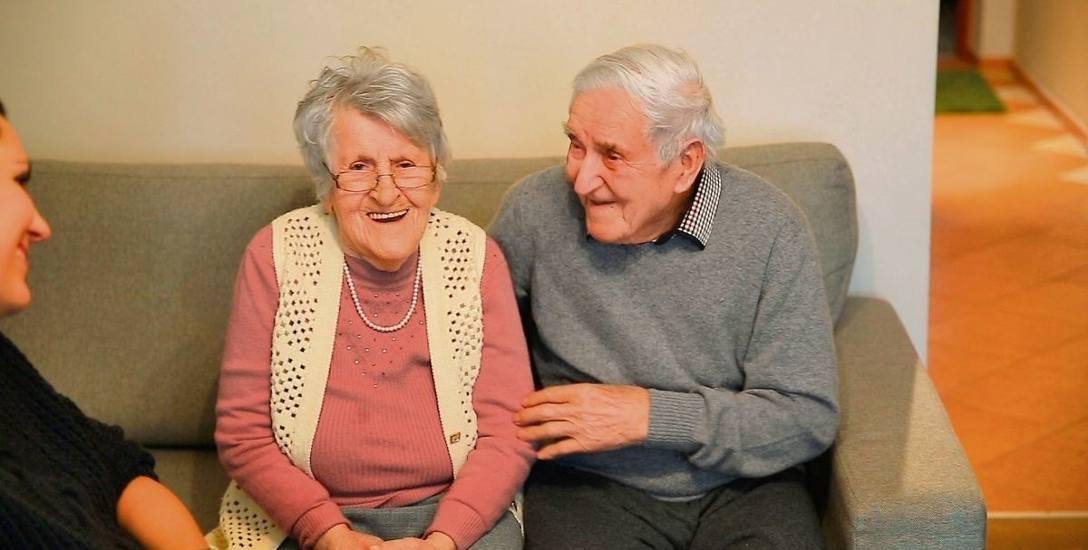 73 lata po ślubie wciąż są zakochani. Mają po 96 lat!