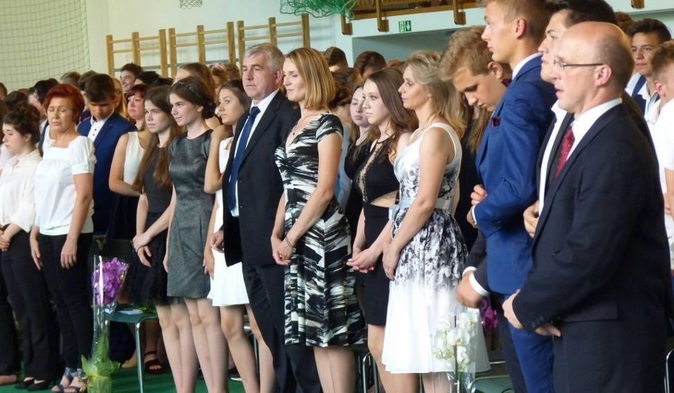 Film do artykułu: Pożegnanie absolwentów w Gimnazjum nr 6 w Koszalinie [zdjęcia, wideo]