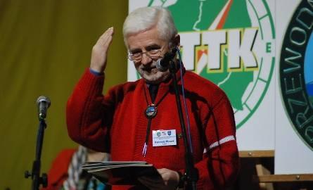 Kazimierz Micorek, przewodnik z Kielc świetnie poprowadził oficjalną część zjazdu. Niektórzy żartowali, że doświadczenie przewodnickie w scenicznej profesji