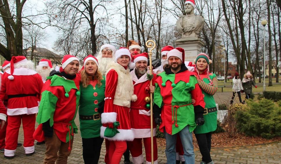 Film do artykułu: Parada Mikołajów na motocyklach w Rudniku nad Sanem dała wiele radości i słodyczy