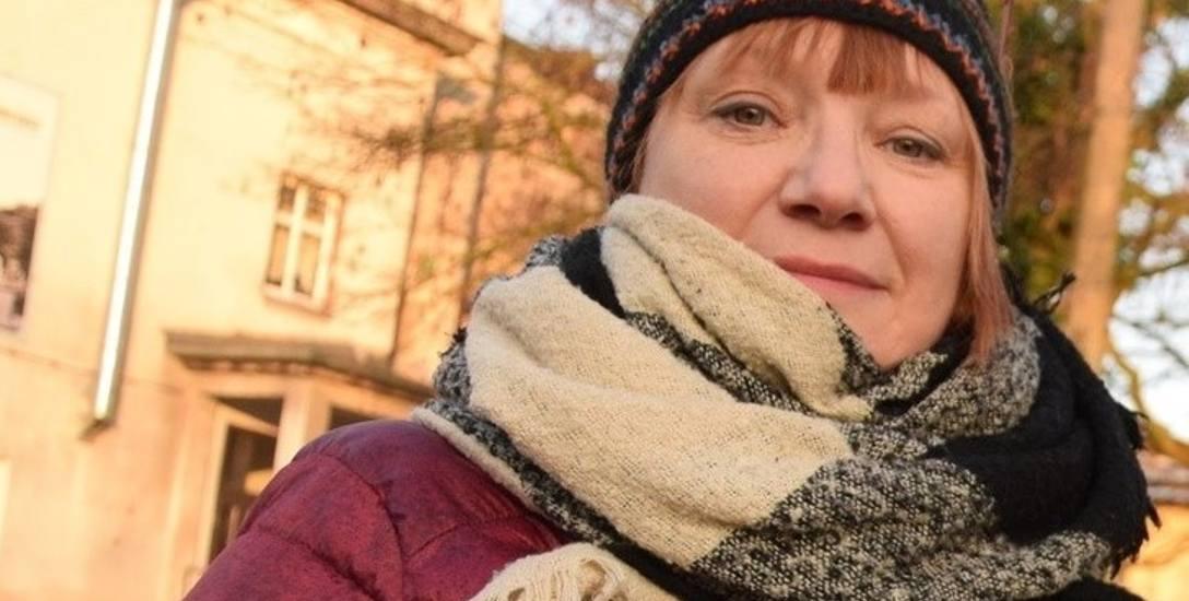 - Korzystanie z dopłat do czynszu jest upokarzające - mówi Anna Łaniewska.