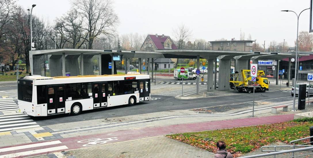 Centrum przesiadkowe w Ligocie. Wczoraj przy węźle zatrzymywały się pierwsze autobusy